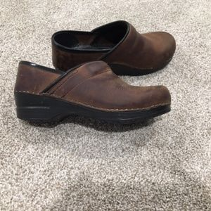 Brown Sanita Professional Nursing Clog 37 / 7